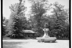 historic-hogan-fountain
