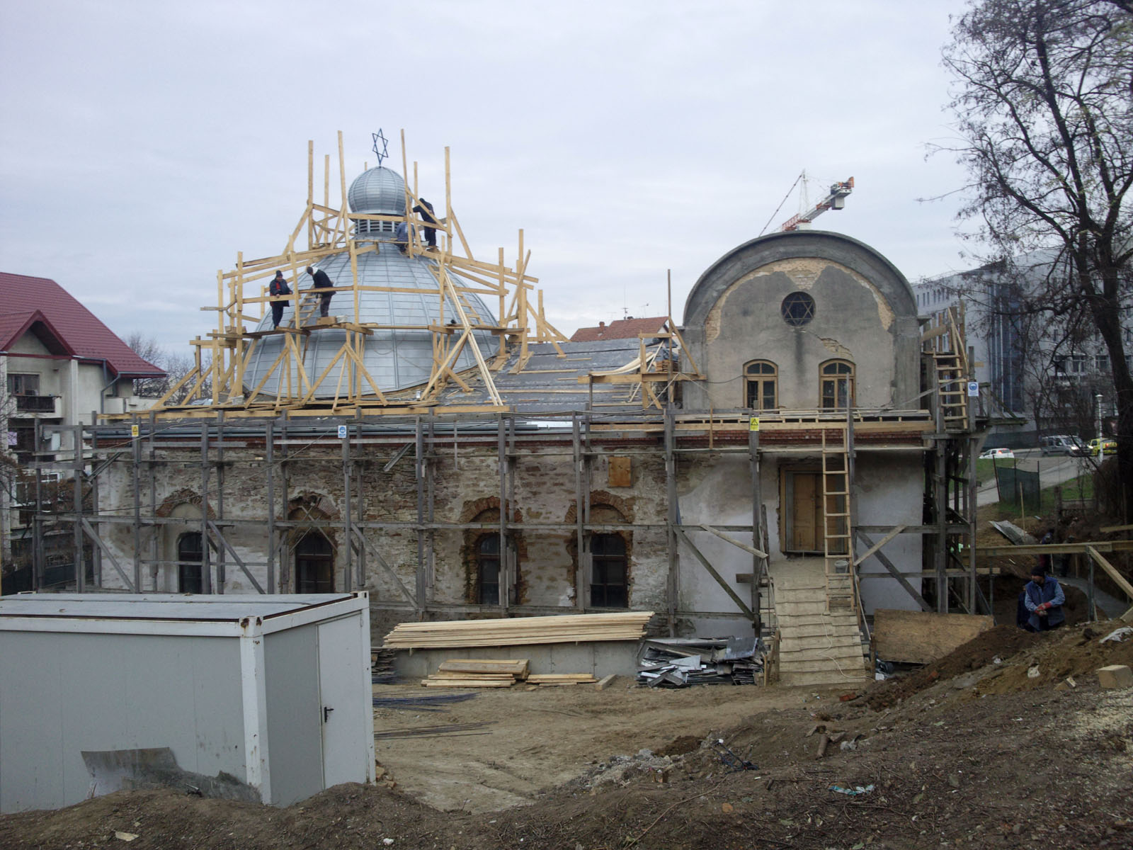 Country: RomaniaSite: Great Synagogue of IașiCaption: Conservation work in progress Image Date: January 2, 2014Photographer: Lucia Apostol/World Monuments FundProvenance: Progress imagesOriginal: email from Sarah Sher